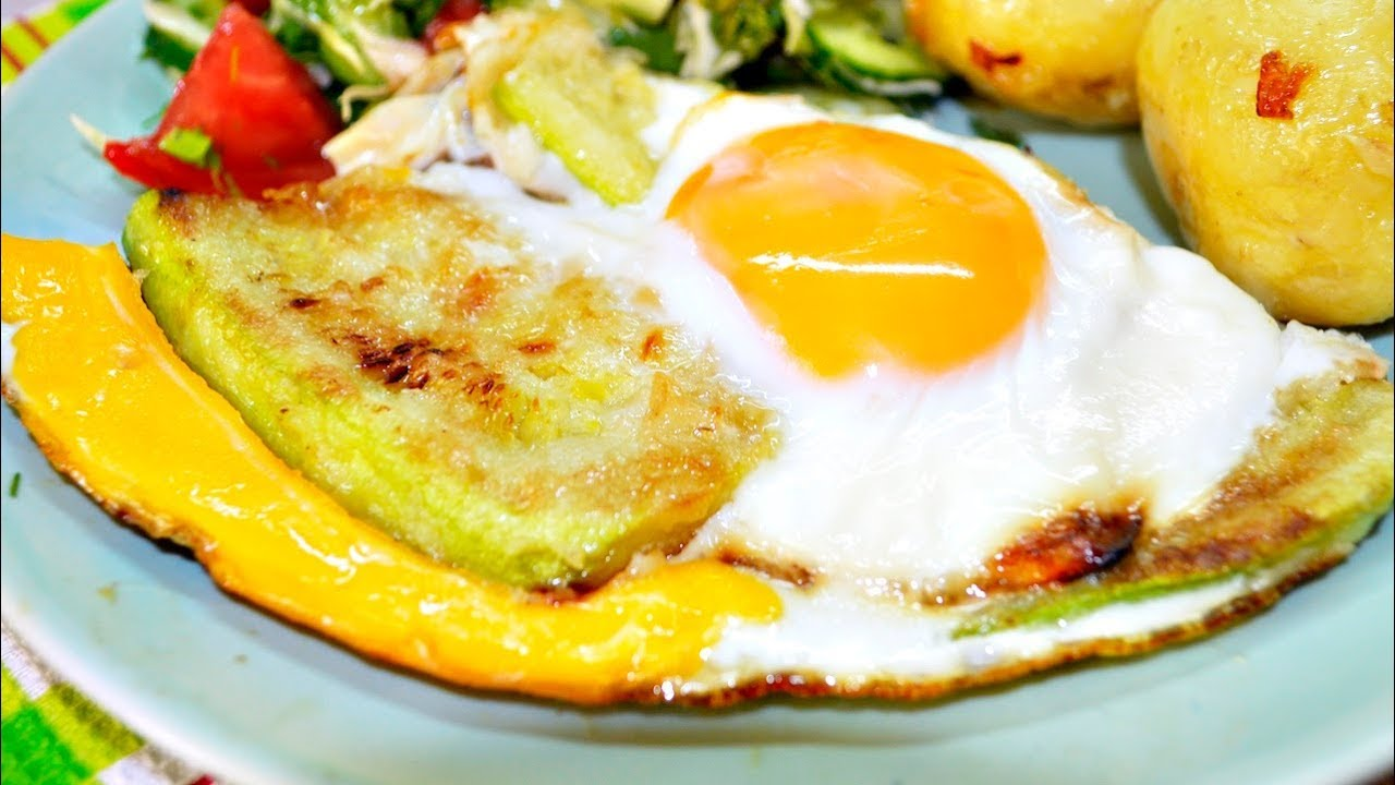 2-в-1: Быстрые кабачки под яичницей - голодным не смотреть!