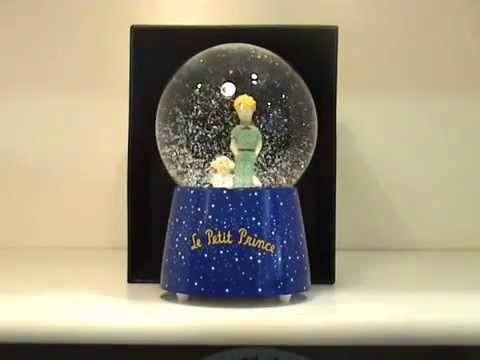boule neige musicale le petit prince trousselier youtube. Black Bedroom Furniture Sets. Home Design Ideas