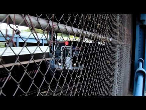 A little Manhattan Bridge (BMT Broadway Line/South Tracks) Action!