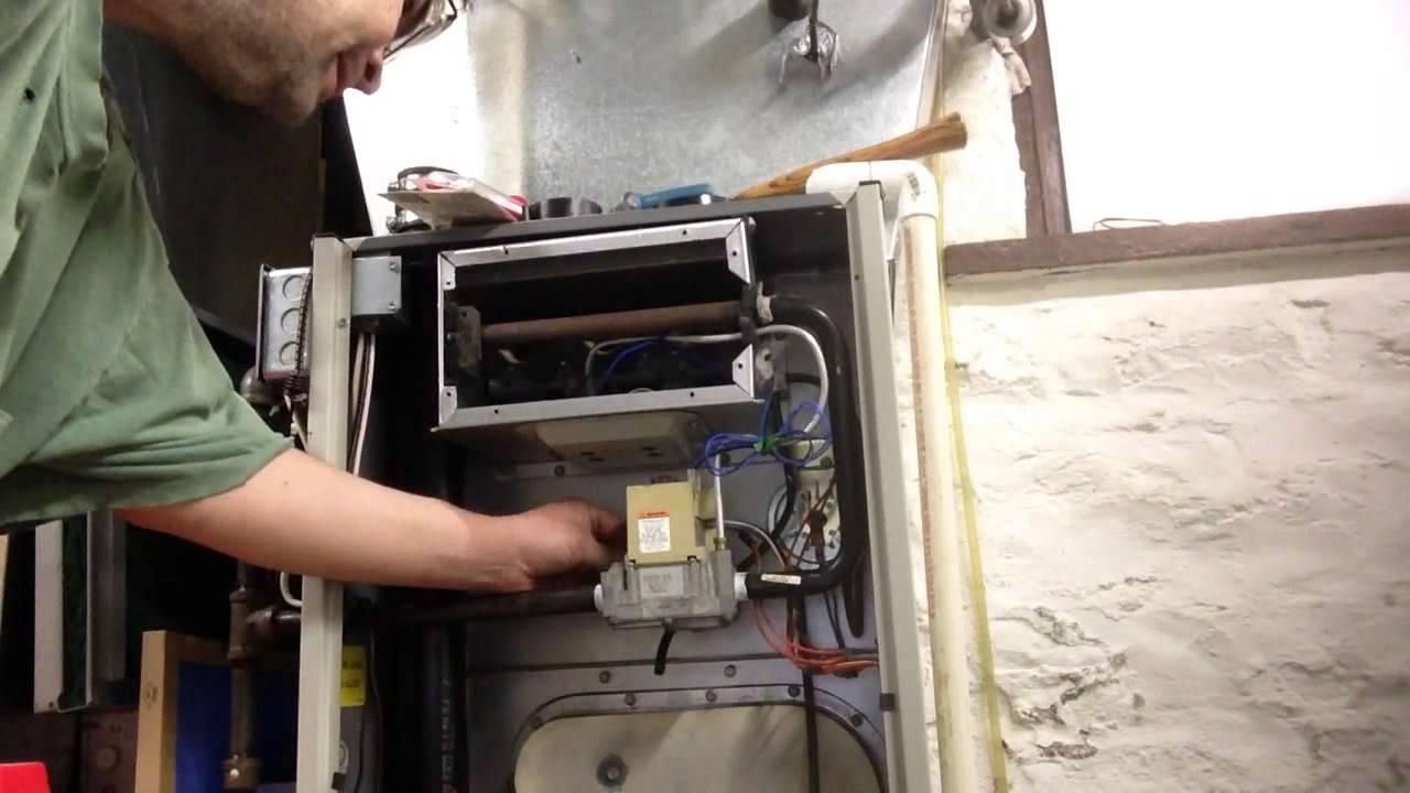 How to change a Honeywell smart valve gas valve Tempstar ...