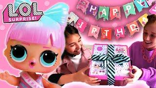 L.O.L. Surprise Dolls Surprise Unboxing!   Deluxe Present Surprise