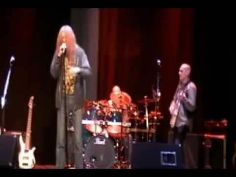 """New World Order"" & ""My Head is Spinning Around"" SupeMakes Up Lyrics on Stage @ VTV Live 24/7"