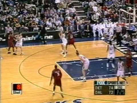 Joe Smith dunks on Bradley