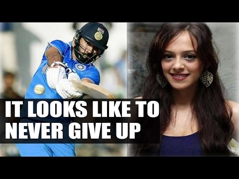 Yuvraj Singh's wife Hazel Keech writes a beautiful notes on social Media | Oneindia News