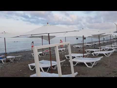Розовые облака и шум моря в 6 утра. Пляжи \