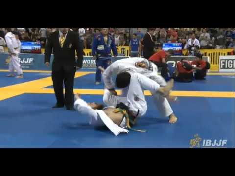 Kit Dale vs Marcos Souza
