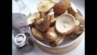 солить грибы(При солении грибов происходит тот же процесс молочно-кислого брожения, как в овощах, но слабее, так как гриб..., 2013-11-11T14:32:13.000Z)