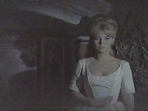 Blood and Roses 1960 crypt scene