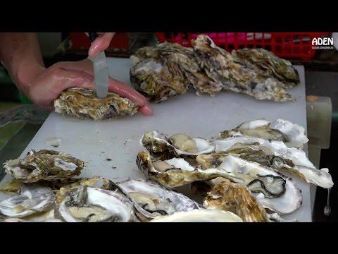 Oysters in Okinawa - Street Food in Japan