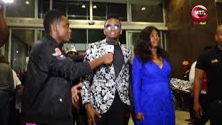 Diamond Platnumz, Hamisa Mobetto walivyowasili katika uzinduzi wa filamu ya Aunty Ezekiel (MAMA)