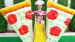 Nastya Artem y Mia convierten la comida en juguetes inflables