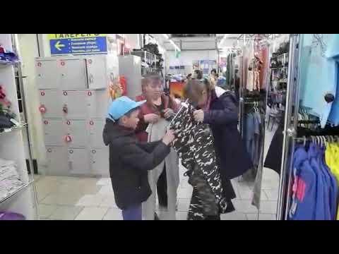 День детей в г. Омск магазин Планета одежда обувь улица 22 апреля