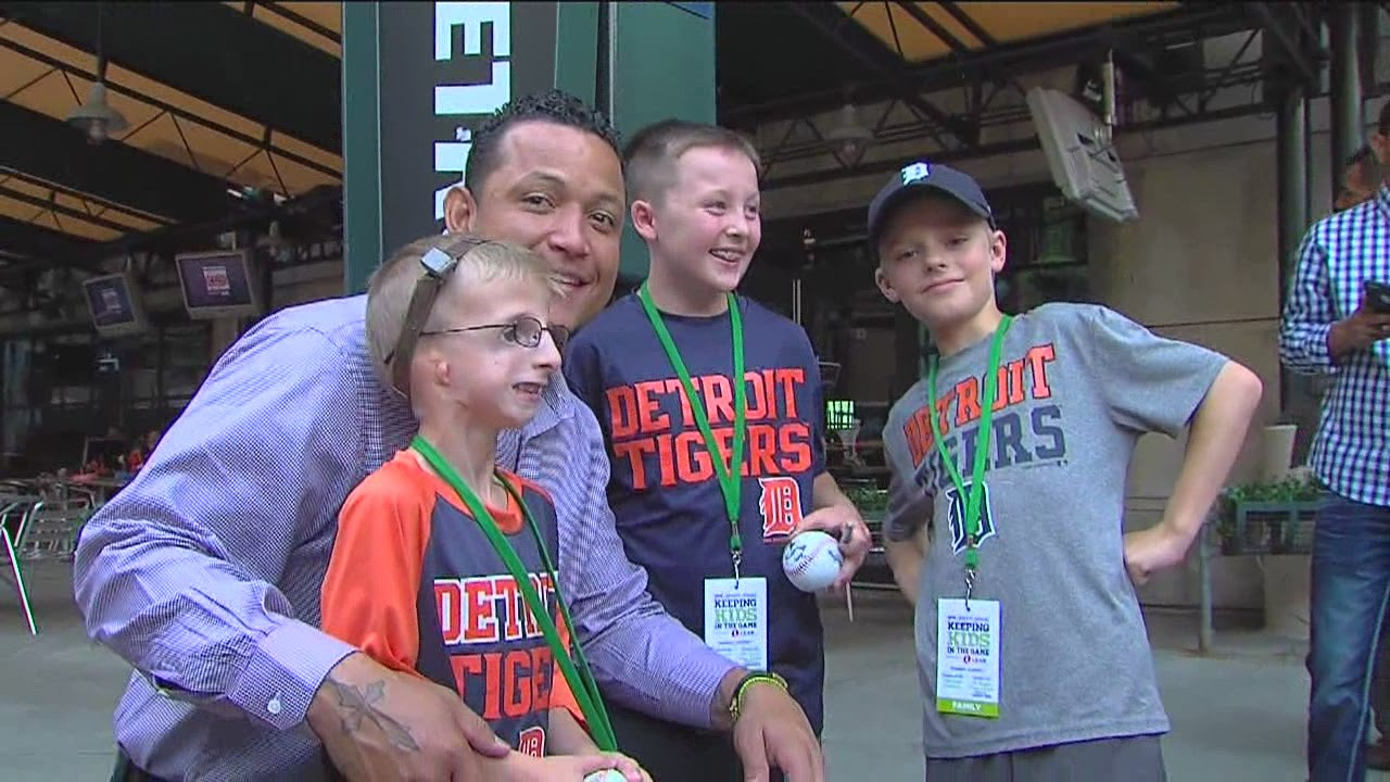 Young Tigers fan meets Miguel Cabrera and can't stop ...