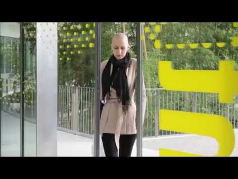 TAYLOR SWIFT-SHAKE IT OFF-Fighting cancer cover-SHAVE IT OFF-MARINE DE NICOLA (MoMo)