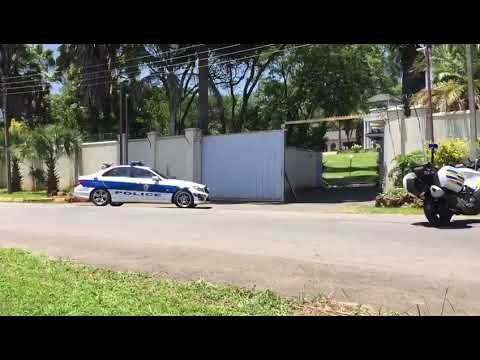 Mnangagwa's motorcade arrives at Morgan Tsvangirai's house