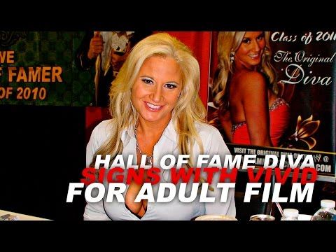 Hall Of Fame Diva Signs With Vivid Entertainment For Adult Film