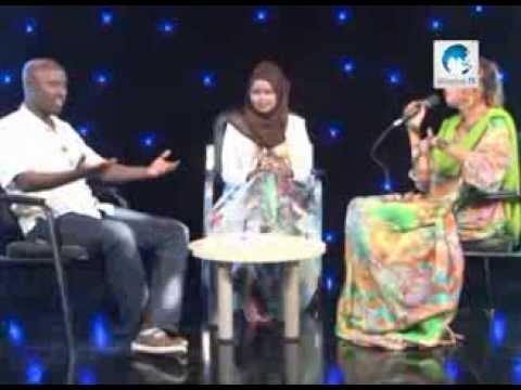 Universal TV Fanka iyo Maxamed Jaamac Salaad iyo Xaawo Cabdi Xasan 02 02 2014