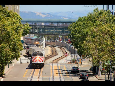A Short Afternoon of Trains in Jack London Square 5-21-17