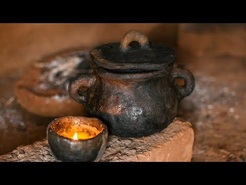 Making Clay Soup Pot And Sealing Cracks With Natural Sealant