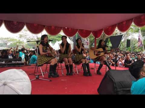 GJUI 23 (Gelar Jepang Universitas Indonesia) JKT48 - Heavy Rotation Acoustic Version