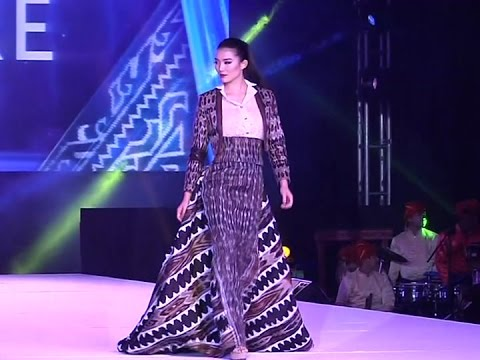 Mga damit na gawa sa telang hinabi sa Mindanao, tampok sa pagrampa ng Miss Universe candidates