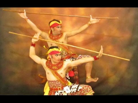 tari-prawiro-watang---pencak-silat---javanese-classical-dance-[hd]