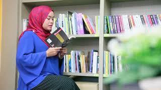 """Download Video Puan Zalila Isa membacakan puisi """"Pohon Kehidupan"""" Bersempena Hari Puisi Sedunia MP3 3GP MP4"""