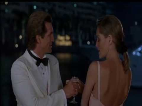 The Specialist - Great scene with a perfect John Barry