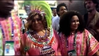 ALCIONE - Carnaval 2016, momento histórico no sambódromo após o desfile da Mangueira ao amanhecer