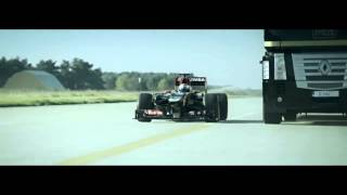 Пилот Иванов проехал на формульном Lotus F1 под летящим грузовиком#Jump by EMC and Lotus F1 Team#