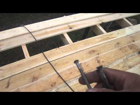 видео: Обрещётка однаскатной крыши гаража.