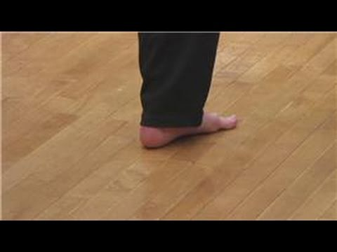 Martial Arts : How to Throw a Roundhouse Kick