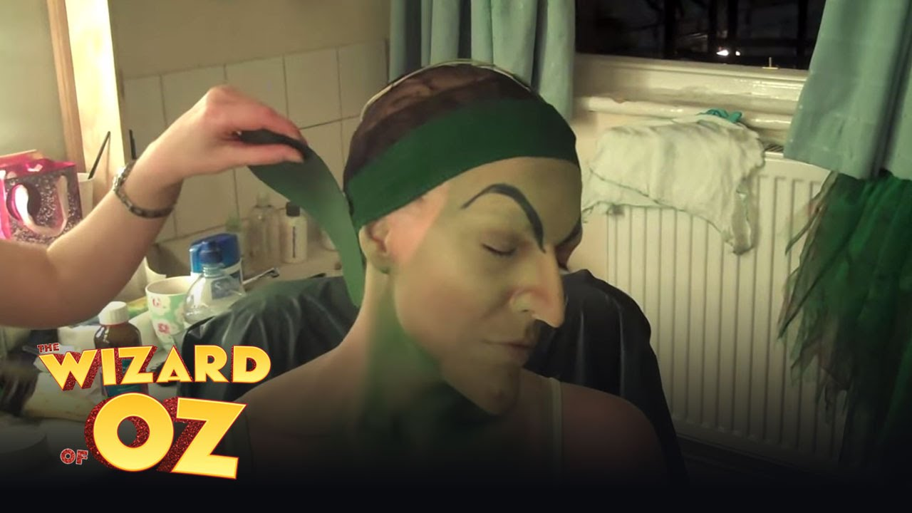 Hannah Waddingham Becomes the Wicked Witch (part 1) - London | The Wizard  of Oz