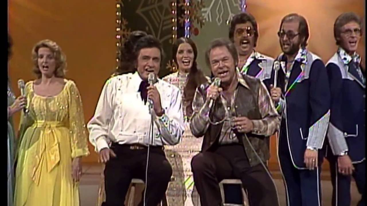 Johnny Cash, Roy Clark, Family and Friends - Christmas Medley - YouTube