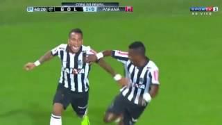 Бешеный бразилец забил гол прямым ударом с углового