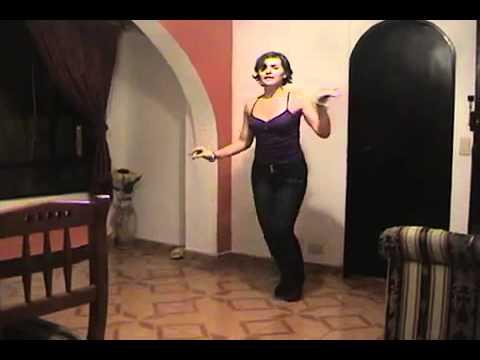Disfrutando de la Salsa Caleña Maritza Rosas en Barcelona