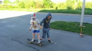 Как научить ребёнка кататься на скейте. День первый. Дети 4 - 5 лет.