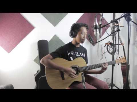 Aku Scandal Acoustic (Hujan Cover) By Aziz Harun