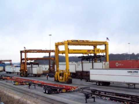 Intermodal Crane / Mijack & Taylor Overheads Unloading TOFC