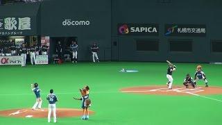 2014年7月13日、札幌ドームでの北海道日本ハムファイターズ公式戦前に行...