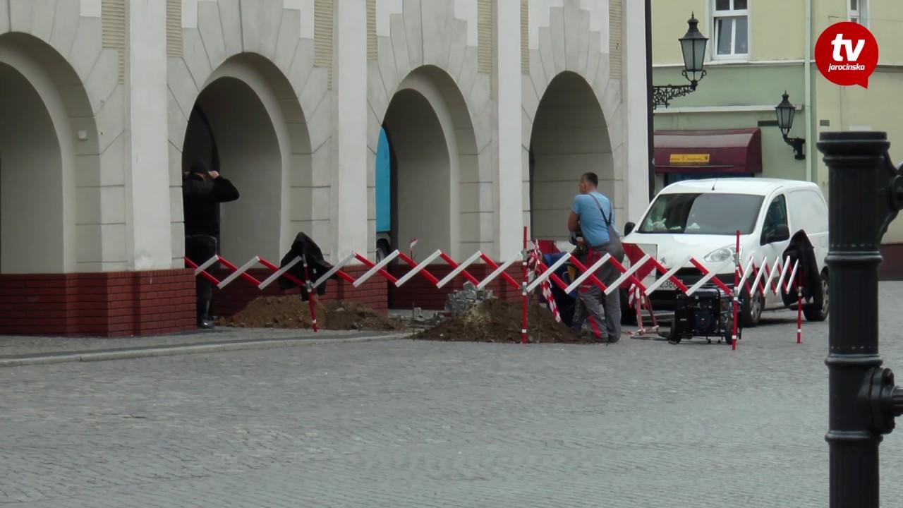 Wykopy przy ratuszu [www.jarocinska.pl]