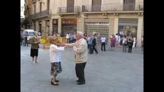 Испания, май 2010г. Они танцуют
