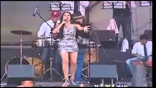 Ariana Dao -  Caballo Viejo en vivo