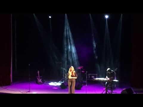 Aleksandra Radović - Samotnjak (live)