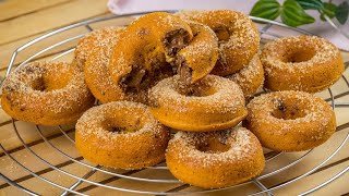 Chocolate filled donuts: an easy treat wit a simple method!