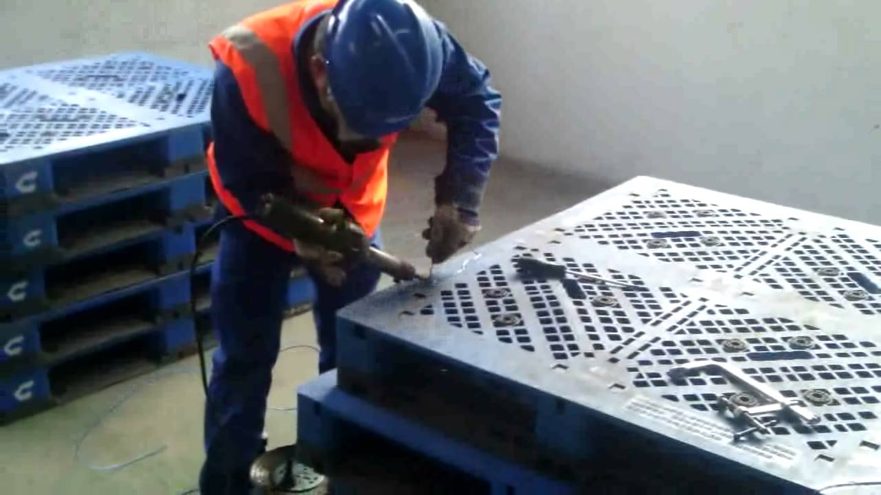 Plastic Pallet Welding Repair Youtube