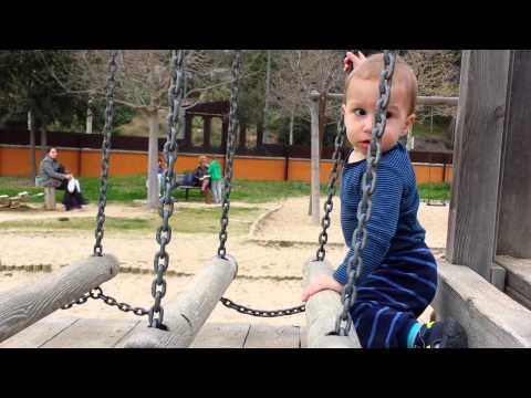 Ребенку 1 год - Игры и развитие ребенка в 1 год - Питание