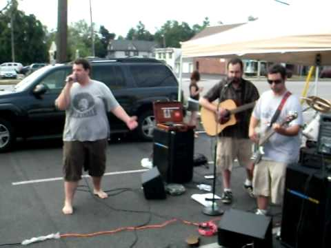 MAGICTONEZ - 'DITCHING MY FUNERAL' - live @ DI' CAMILLO'S Bakery, Williamsville, Music On Main