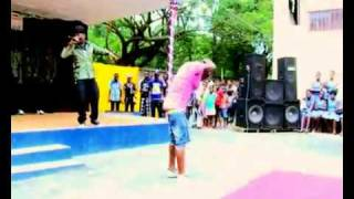 AZONTO DANCE IN SENIOR HIGH SCHOOLS. SONG BY SARKODIE - U GO KILL ME O.flv - YouTube.flv