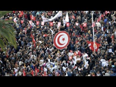 تونس: إضراب في القطاع العام احتجاجا على رفض الحكومة رفع الأجور  - 16:55-2019 / 1 / 17